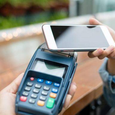 El pago con el móvil, a un paso de su implantación