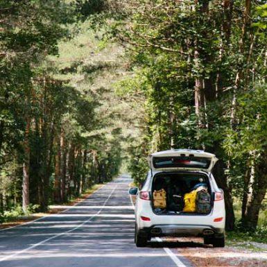 Cinco rutas y cinco coches de alquiler para descubrir España