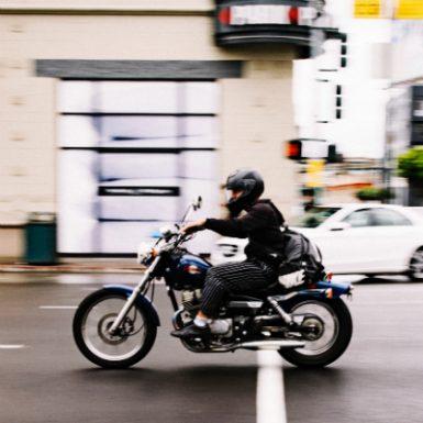 Qué seguro de Moto contratar, ¿Terceros o Todo Riesgo?