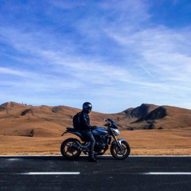 En caso de accidente ¿qué suele cubrir un seguro de moto?