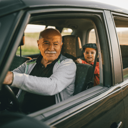 Seguros de coche para personas mayores: cuánto cuestan y qué coberturas tienen