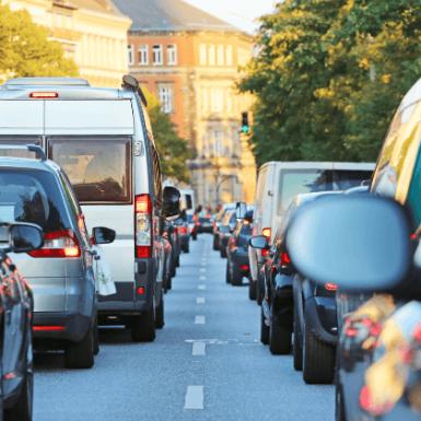 Reducción del límite de velocidad: cómo será en cada tipo de calle y cómo afectará al precio de los seguros